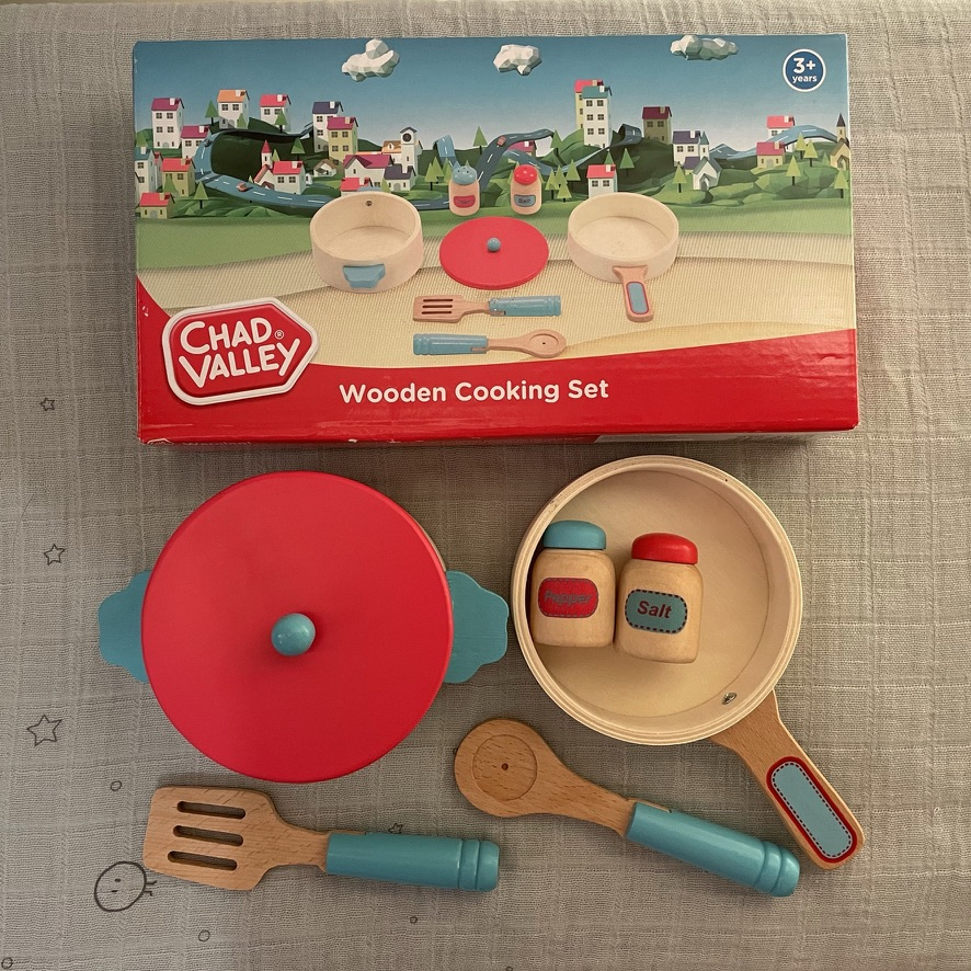 Chad Valley wooden pots and pans playset with box