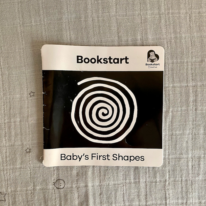 Bookstart Babys First Shapes Black and White Book