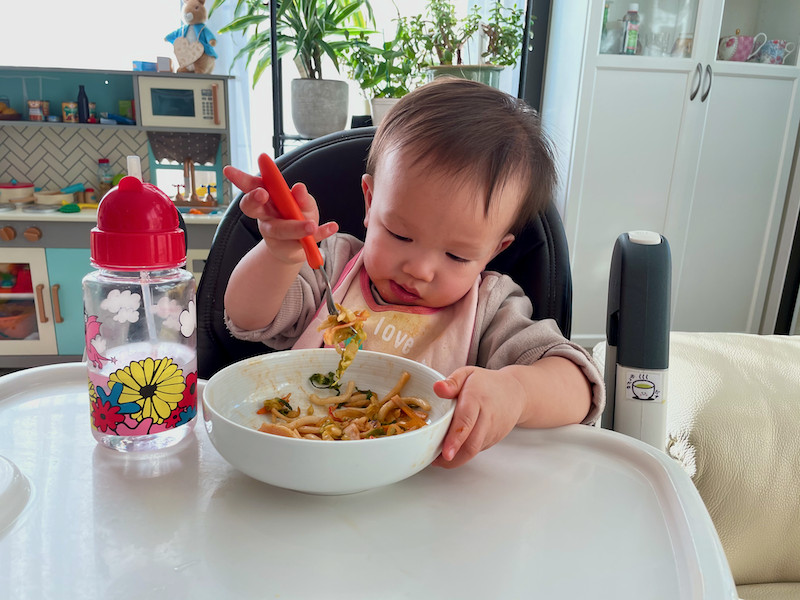 Boy-eating-ketchup-udon-with-a-fork-part-1