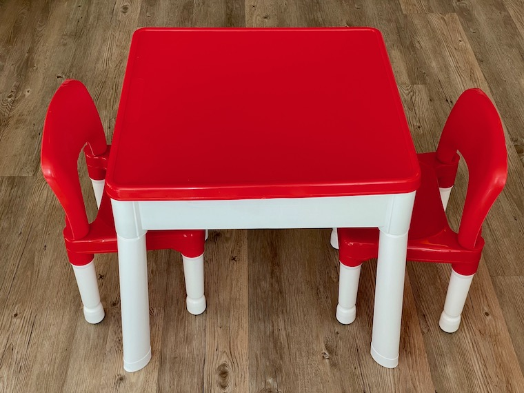 Fully-assembled-table-760