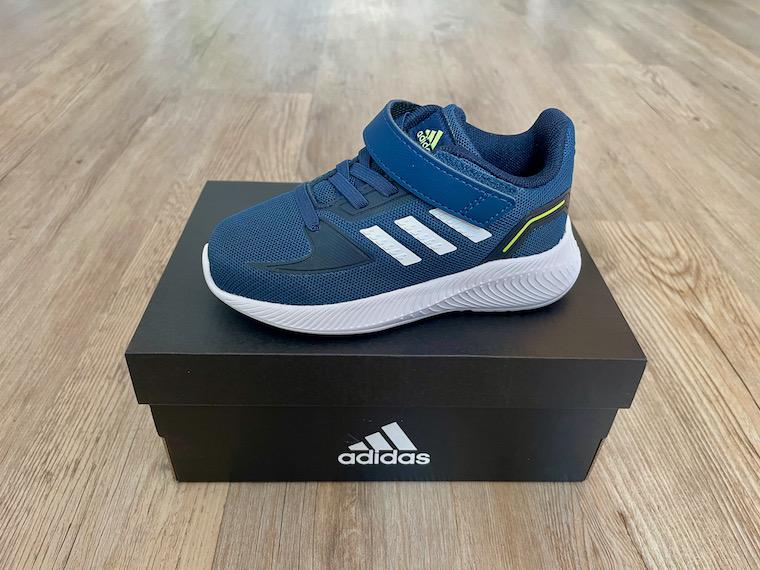 Adidas Runfalcon 2.0 navy close up