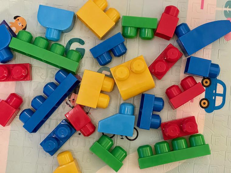 Lego Duplo Scattered