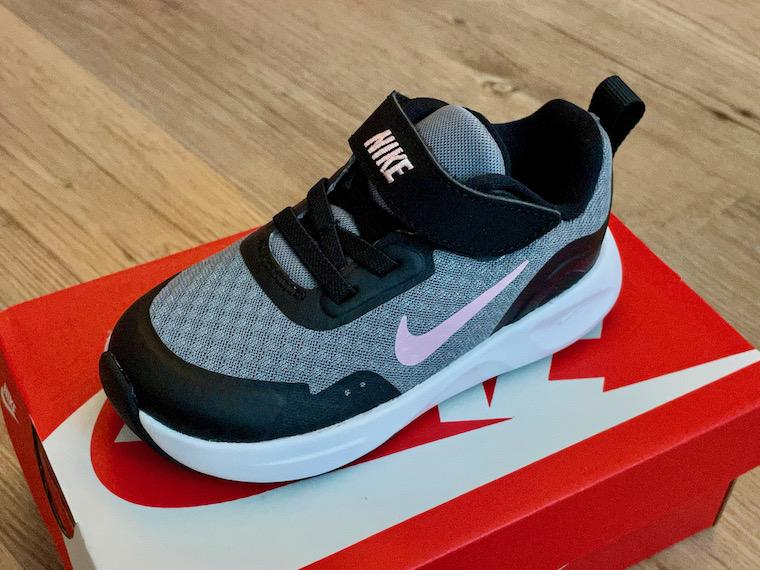 Nike Wearallday grey pink