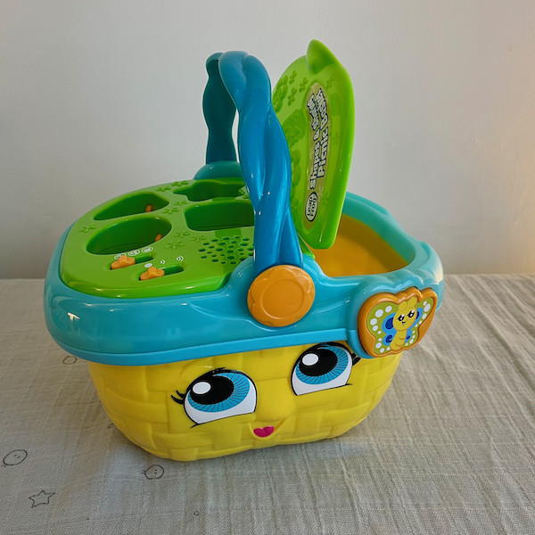 Picnic Basket toy with lid up